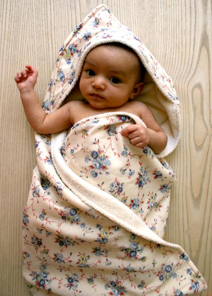 Hooded-baby-towel