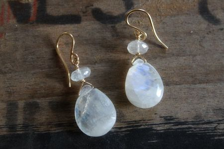 Overthemoon_earrings